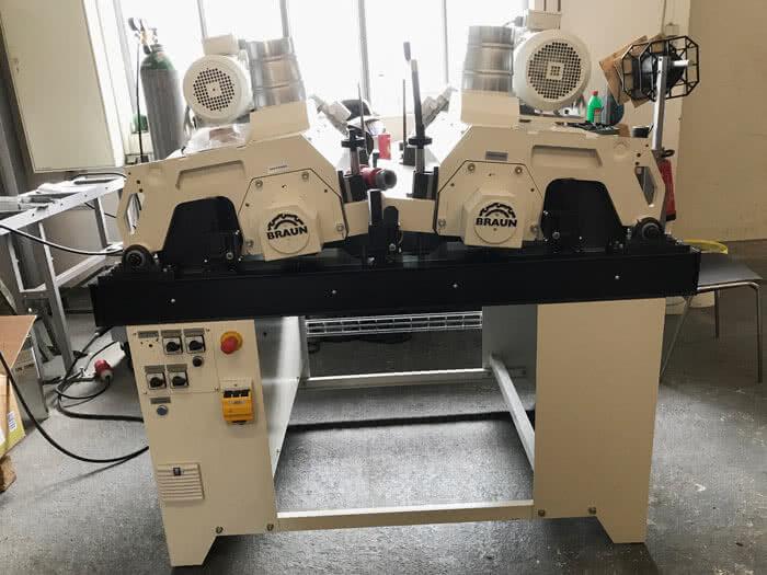 Braun brushing machine