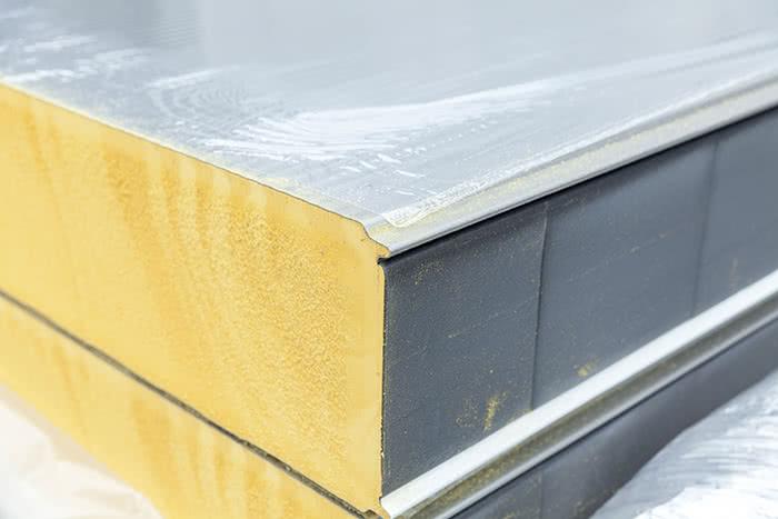 Coating or gluing of foam material