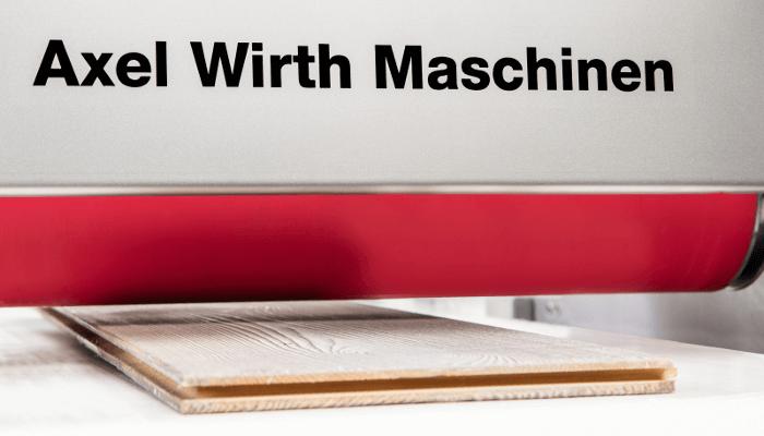 Die Dosierwalzenmaschine DWO120 zum Beschichten von Parkettdielen, Schaumstoffen, Metallteilen, und vielem mehr.